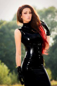 Gloved Redhead