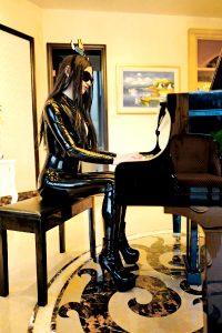 Latex And Piano – @GeniusMK2
