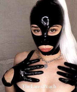 Latex Hoods And Lingerie ✨