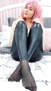 Love This Shiny Leather Pants 🖤