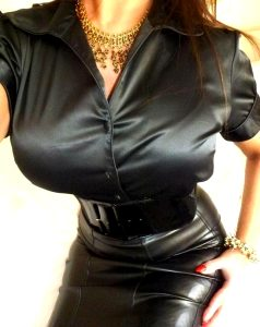 Lovely Wide Belt With Leather Skirt