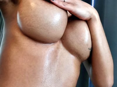 My Shiny Underboob For You ?