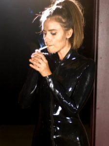 Smokinggg Hot